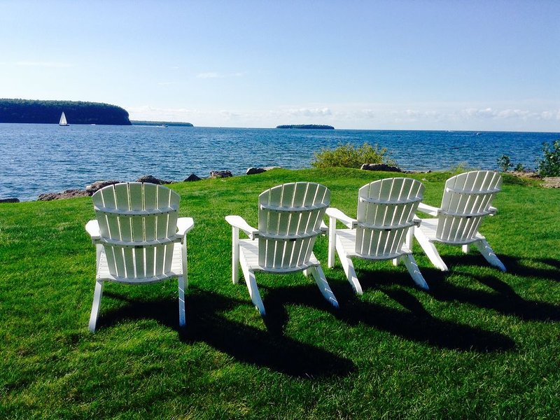 Historic - Waterfront - Family/Pet Friendly - Open year around, location de vacances à Door County