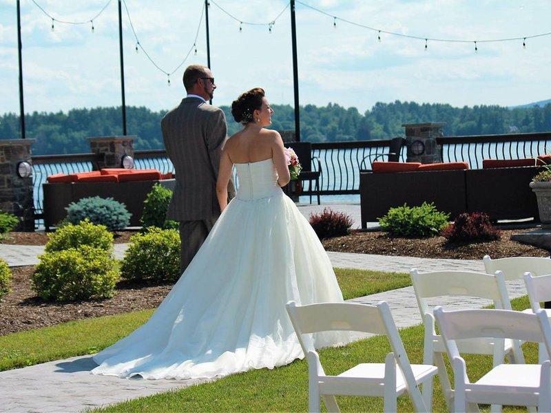 Você pode até se casar no lago em The Lakehouse.