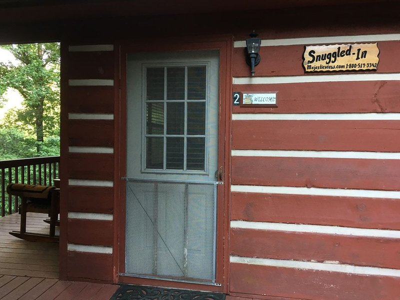 Beautiful Views, Best Prices, Near Gatlinburg and Pigeon Forge, vacation rental in Cosby