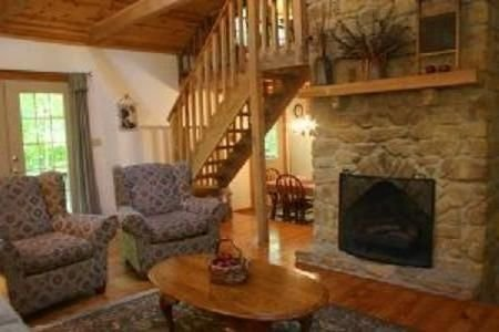 'Old Hickory' - Rustic and Charming Cabin, Close to Nashville. Couples Getaway, alquiler de vacaciones en Nashville