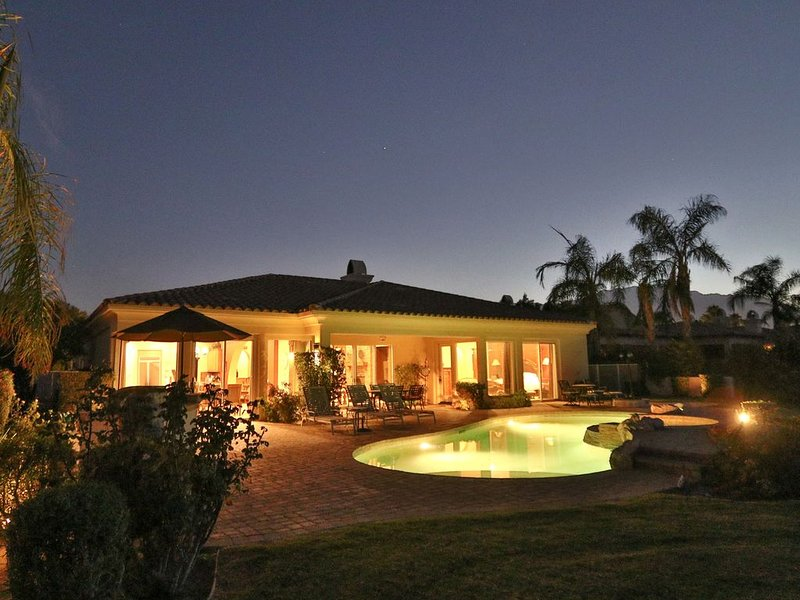 Elegant Mission Hills Golf Vacation Home, holiday rental in Rancho Mirage