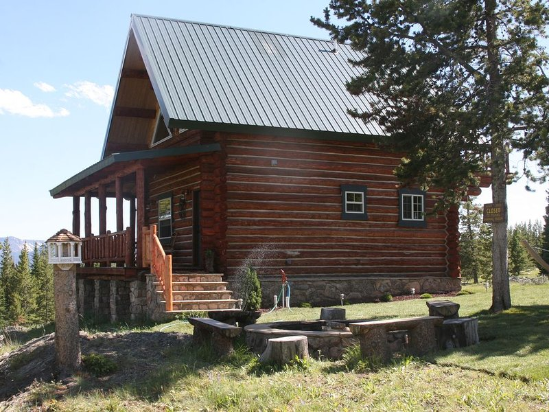 Special Cabin -Close to Yellowstone w/ Remote Setting, alquiler de vacaciones en Emigrant