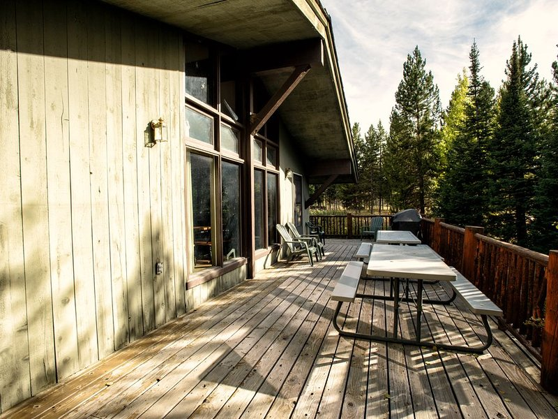 Bring your whole crew and enjoy the gas BBQ grill and 2 picnic tables on the oversized deck!