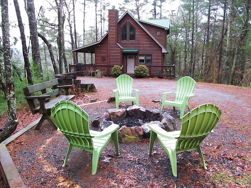 Secluded Cabin - Mountain Views with Nature Trail Along River, vacation rental in Gilmer County