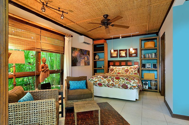 Old Town Bali Hideaway for 2, Just Steps from Duval, vacation rental in Stock Island