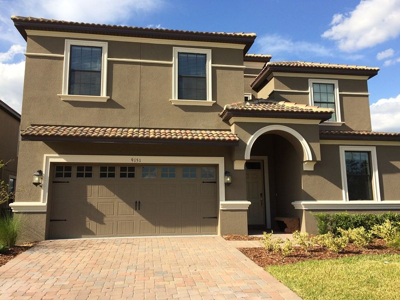 New Large Home Very Close To Disney World- Backs to Golf Course, holiday rental in ChampionsGate