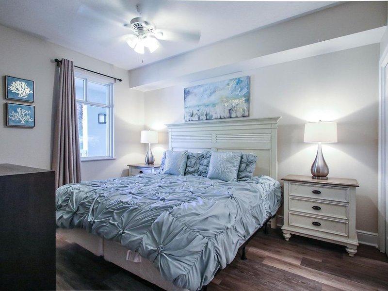 Luxury Oceanfront Condo - Family Friendly - 3 BED/3BTH~Beach Service, alquiler vacacional en Fort Walton Beach