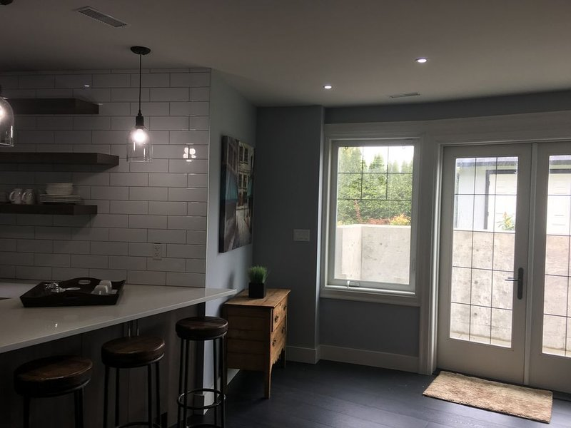 Private suite in Oak Bay Home in Uplands, holiday rental in Lime Kiln