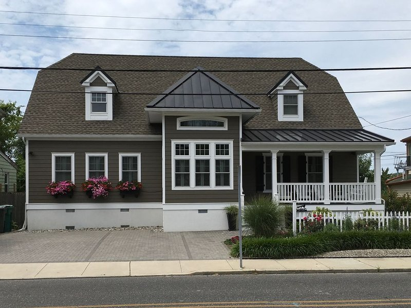 Great Location | Beautiful Home | Walk Everywhere, alquiler de vacaciones en Cape May