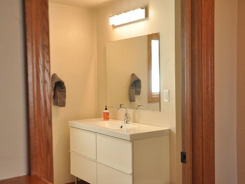 1 de 3 baños completos.