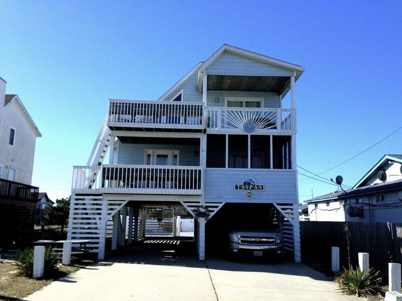 Tsipas Oceanview Walk to Beach Restaurants Movies  Shopping!, location de vacances à Kill Devil Hills