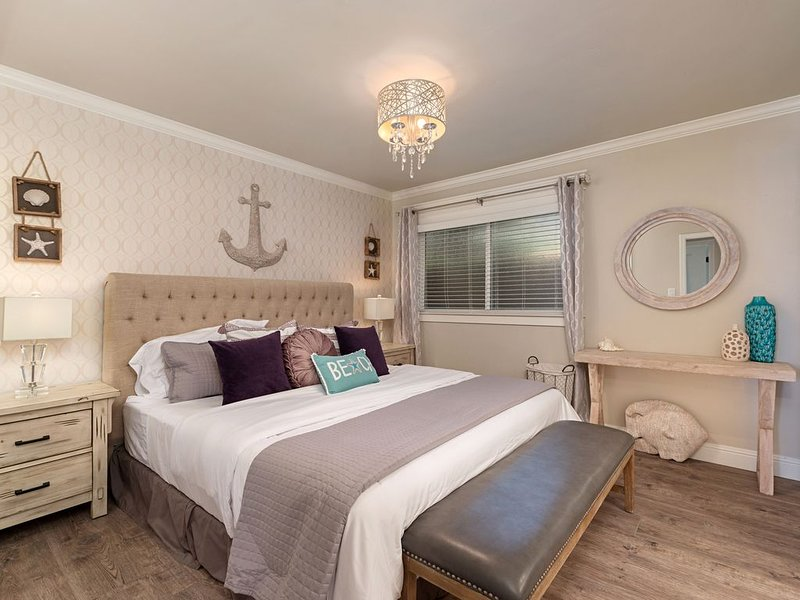 Luxurious 3-bed/2-bath Coastal Modern Beach Cottage-Central AC, Walk to Beach!, vacation rental in Dana Point