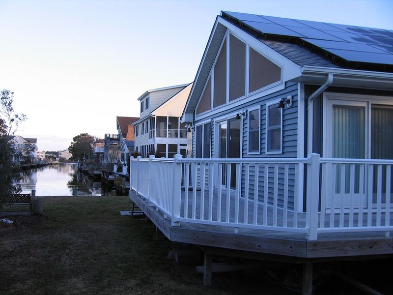 3 BR 2 bath House in a Quiet Neighborhood - Close to Beach and Bay, holiday rental in Bethany Beach