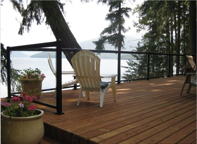 Spectacular Shuswap Water Front Property, holiday rental in Cortes Island