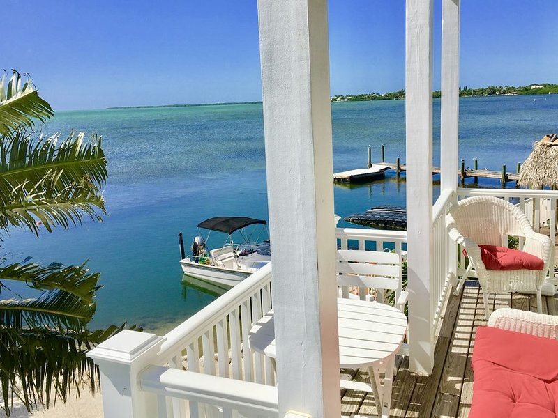 Luxurious Oceanfront Home on Beach, Dock, Heat/Cool Pool, Kayaks, FirePit, Bikes, holiday rental in Cudjoe Key