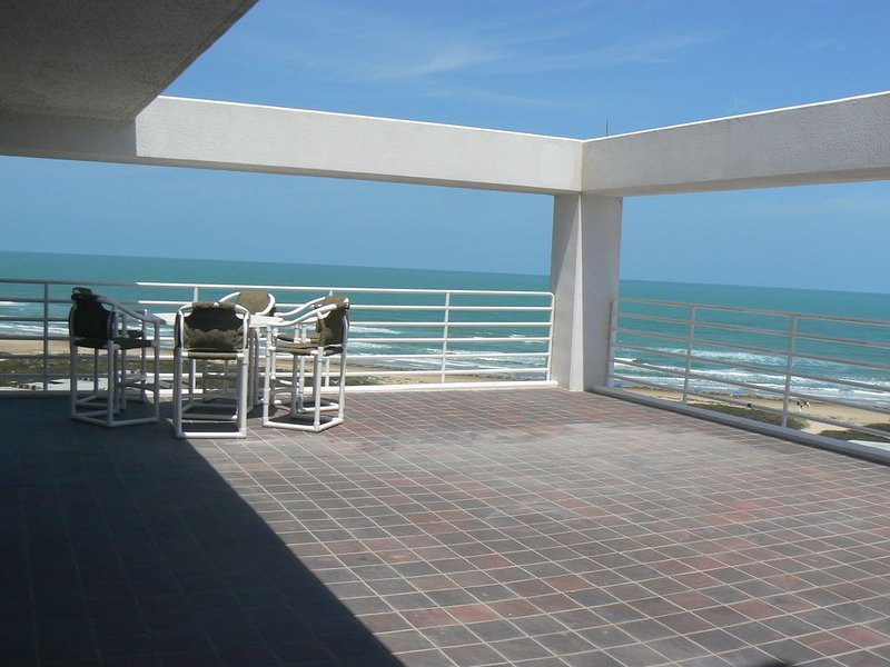 Book this Gorgeous condo!, vacation rental in Port Isabel