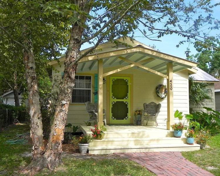 Russell Cottage: Your home away from home., holiday rental in Ocean Springs