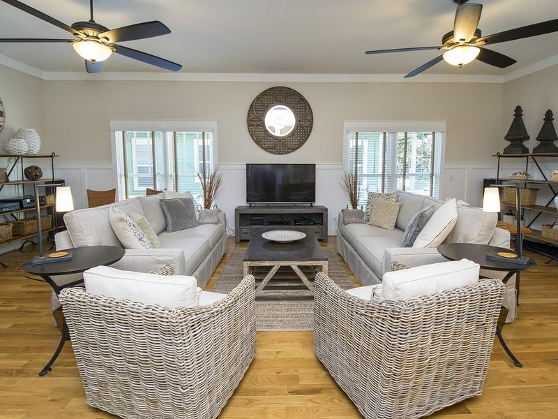 Large open floor plan with plenty of room for everyone
