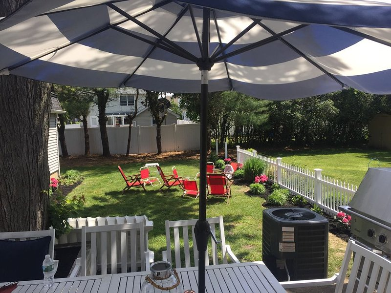 Beautiful Beach House with Lots of Extras, holiday rental in Howell