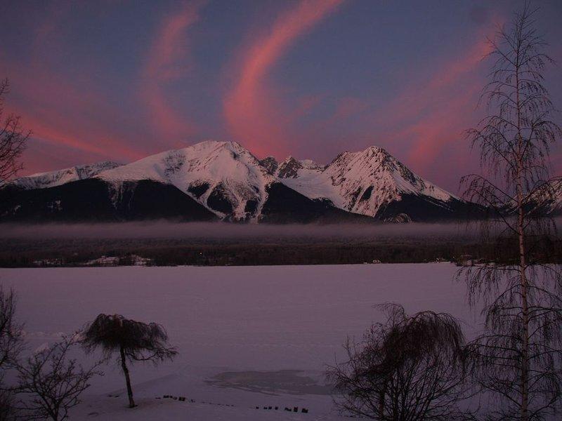Amanecer de enero desde la ventana del dormitorio