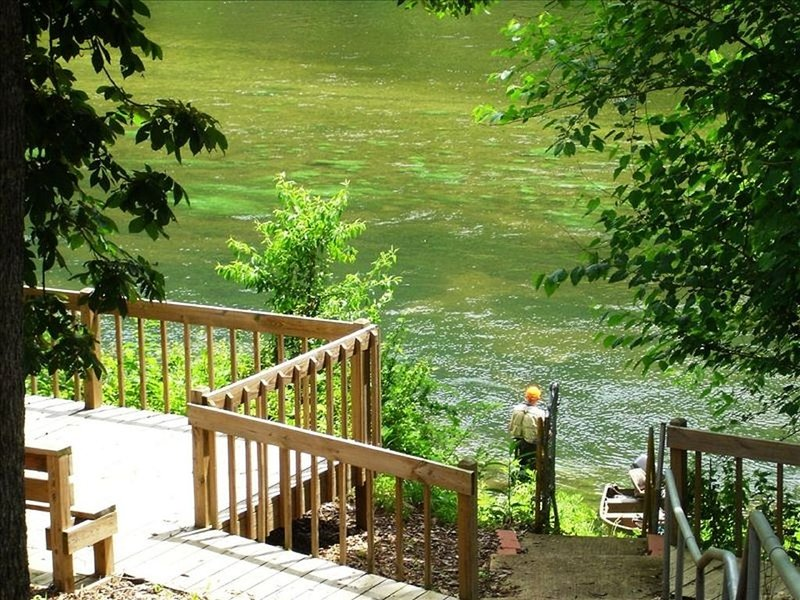 Riverside Vacation Home WHITE RIVER! by BULL SHOALS DAM & LAKE!, holiday rental in Lakeview