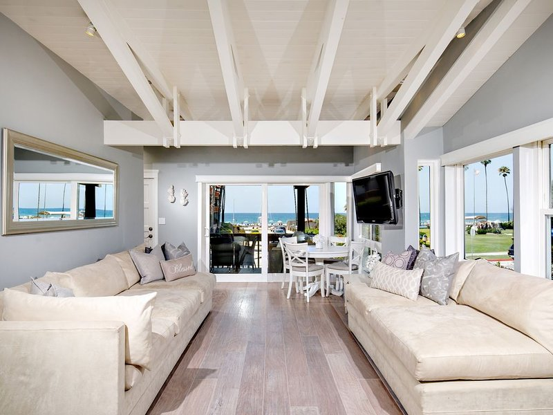 La Jolla Shores Beachfront Bungalow - Oceanfront & Parkfront, alquiler de vacaciones en La Jolla