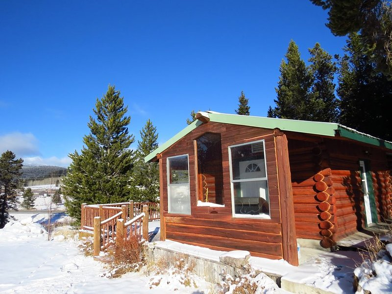 Get ready to enjoy some great mountain vistas when staying at the Kozy Cabin.