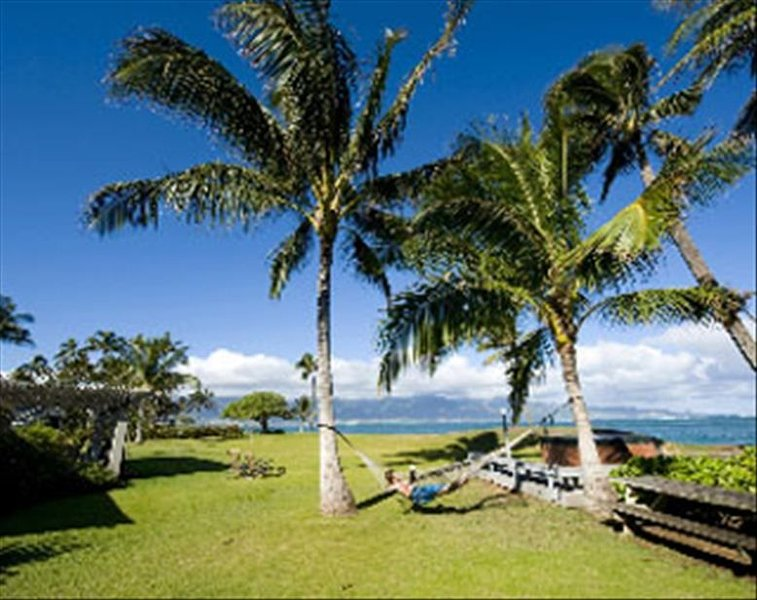 Oceanfront: Large Private Beach House - Maui North Shore, holiday rental in Paia