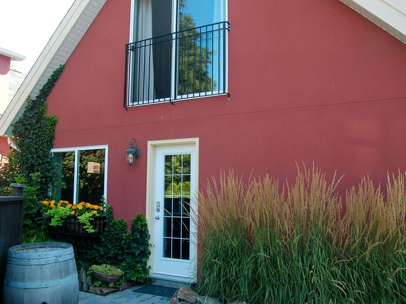 Abbott Street Carriage House, holiday rental in Kelowna