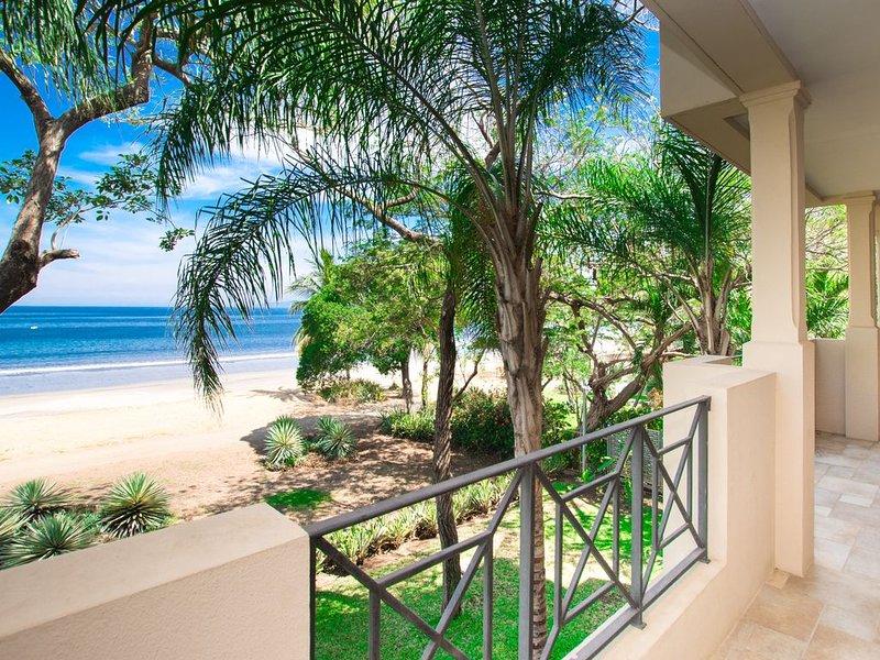 Sol y Mar-Beachfront and Beautiful - 3 bedroom/3 bathroom, vacation rental in Playa Hermosa
