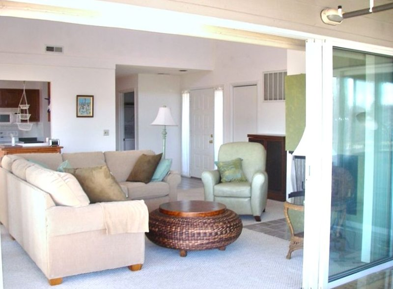 Beautiful Roomy Condo at the Plantations, holiday rental in Harbeson
