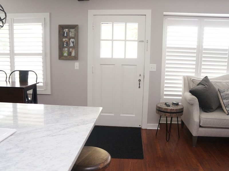 Renovated Bungalow Beauty in Downtown Royal Oak, holiday rental in Clawson