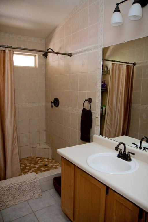 Master Bathroom with 2 sinks and large step-in shower.