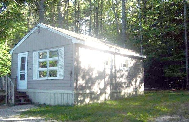 Comfy Cottage Lake Winnipesaukee.  $895 - $1125 /wk - 2 Kayaks, vacation rental in Mirror Lake