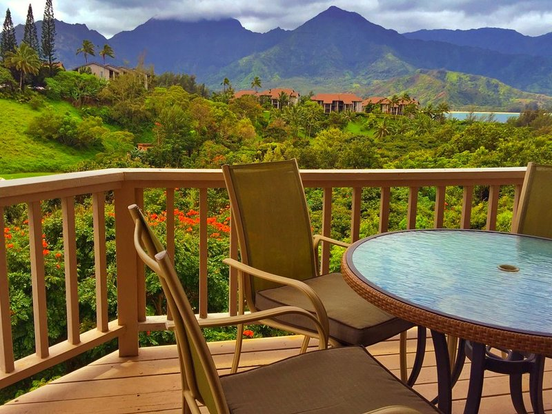 Hanalei Bay Vacation Home, Waterfall and Ocean Views walk to beach, Princeville, vacation rental in Princeville