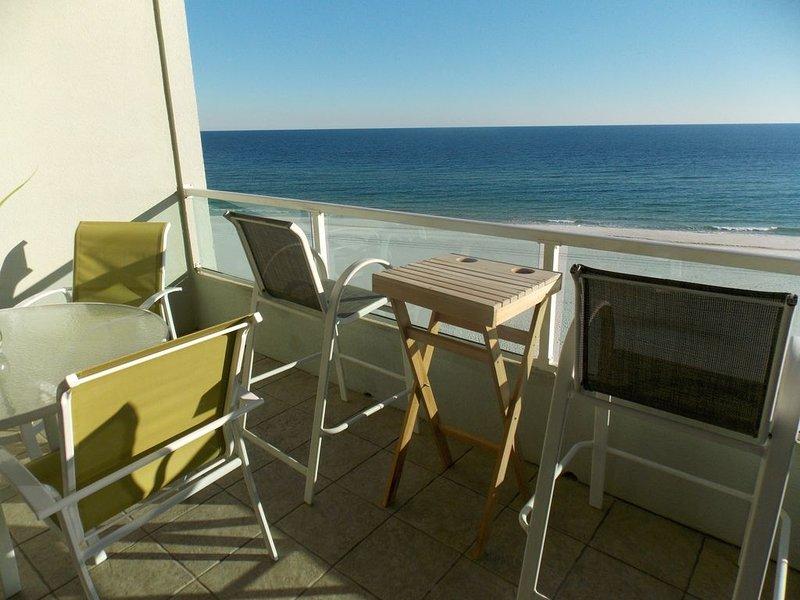 Nueva mesa de balcón con 4 sillas, 2 sillas de bar con mesa y chaise longue