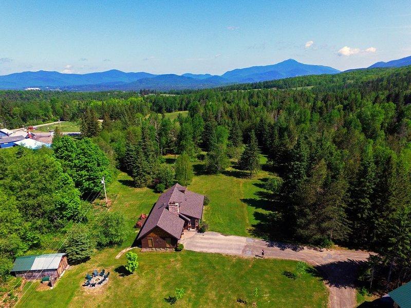 Coyote Lodge Is An Exceptional Five Acre Property, location de vacances à Keene
