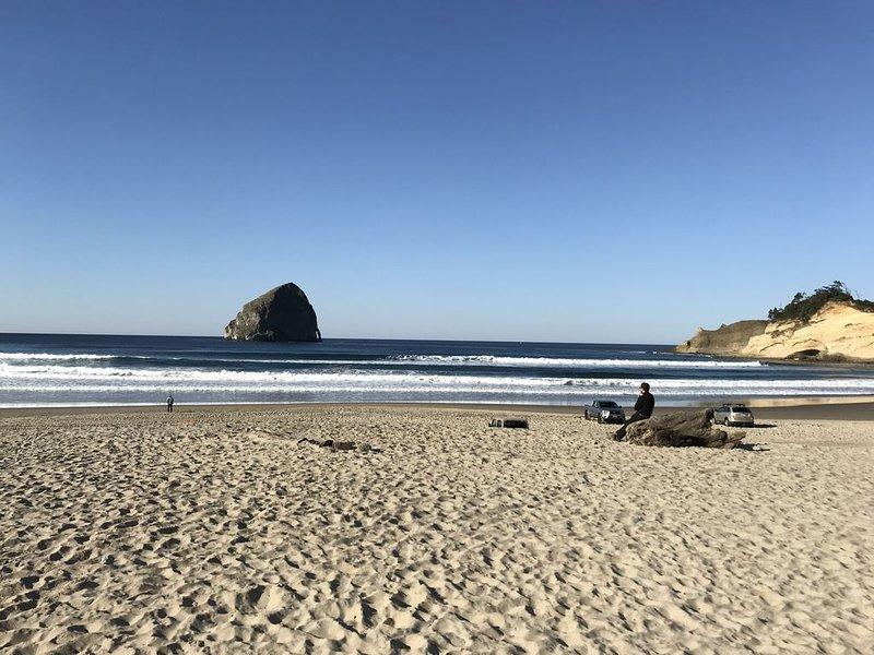 Relaxing Home on the Oregon Coast - Walk to the Beach!, casa vacanza a Cloverdale