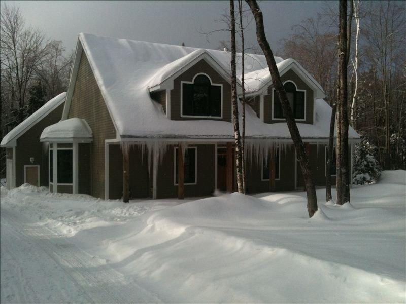 Invierno de 2011, no se puede superar un camino plano y un garaje adjunto