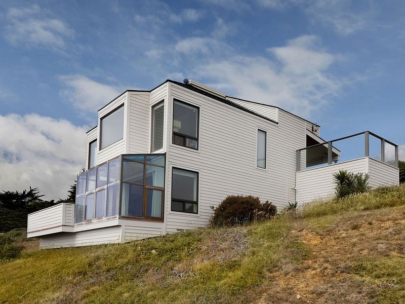 Views of the Pacific Ocean, Tomales Bay and Dillon Beach, vacation rental in Dillon Beach
