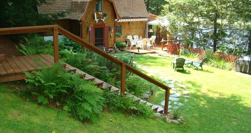 Lake Echo Vacation Rental a Lovely Warm Lake Side Cottage, location de vacances à Brownsville