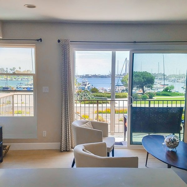 Coronado Stunning Water Views! 1/2 Block from the beach and The Del, holiday rental in Coronado