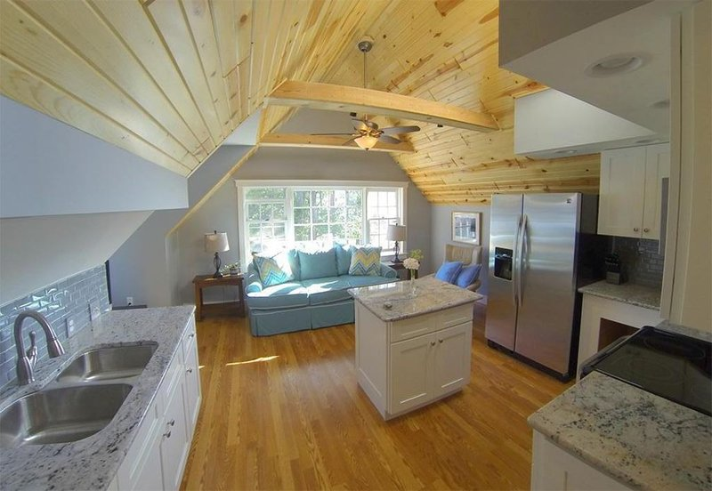 Couples Retreat. Perfect getaway with all the amenities., vakantiewoning in Leelanau County