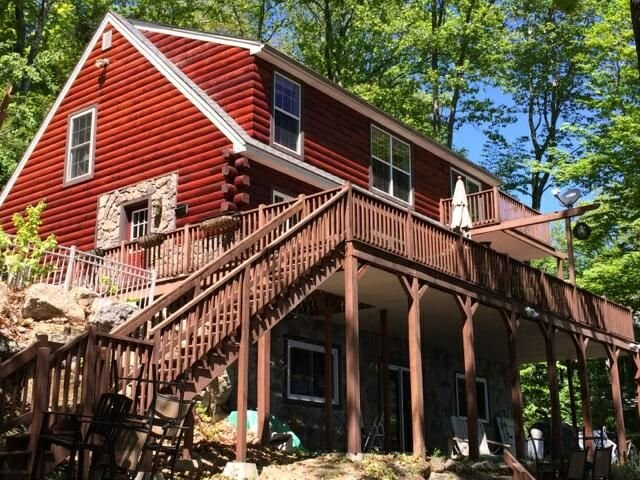 Beautiful 6 bedroom lake front loft home, vacation rental in New Hampton