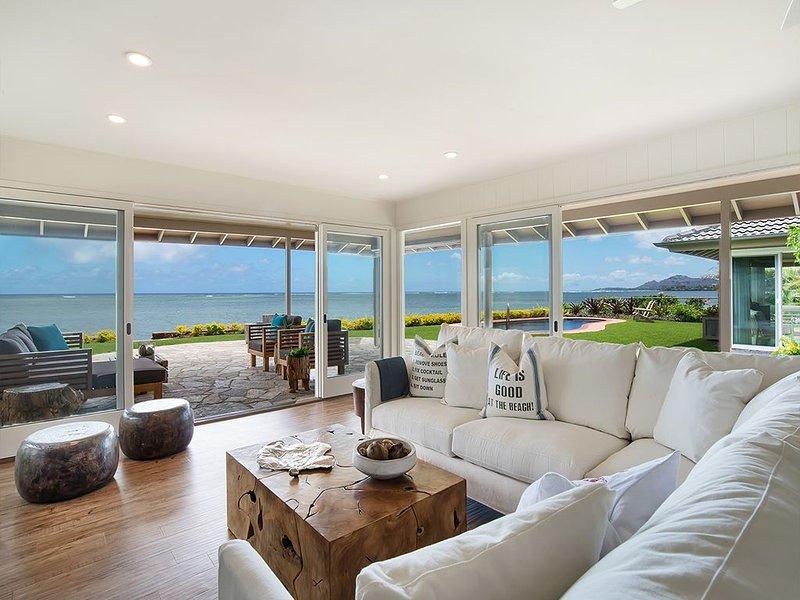Contemporary indoor outdoor living
