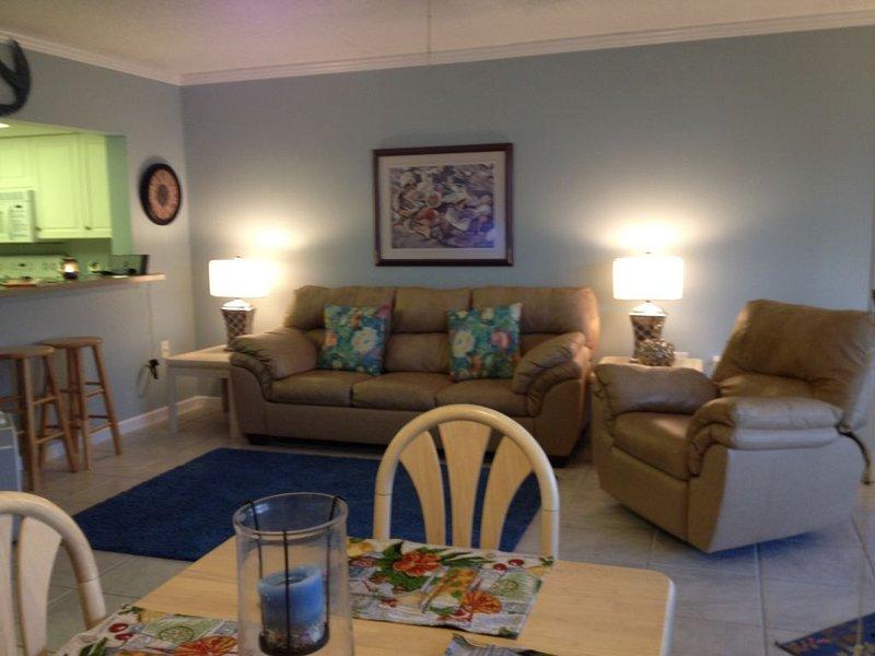 Summer Specials - Beach Front / Pool Condo Manasota Key, vacation rental in Englewood