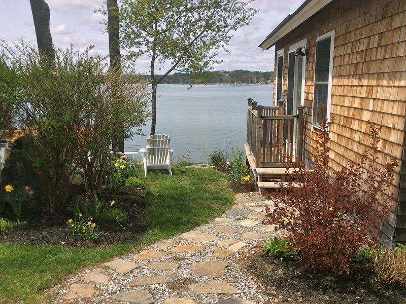 Cozy Waterfront Cottage in Mid-coast Maine, location de vacances à Damariscotta