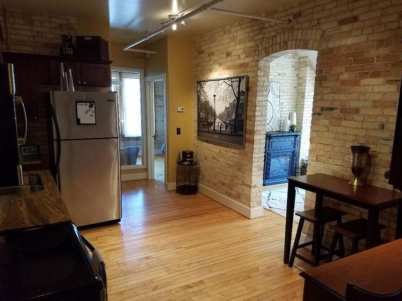 Historic Top Floor Condo~Sleeps 4 ~ The Village at Grand Traverse Commons, vacation rental in Grand Traverse County