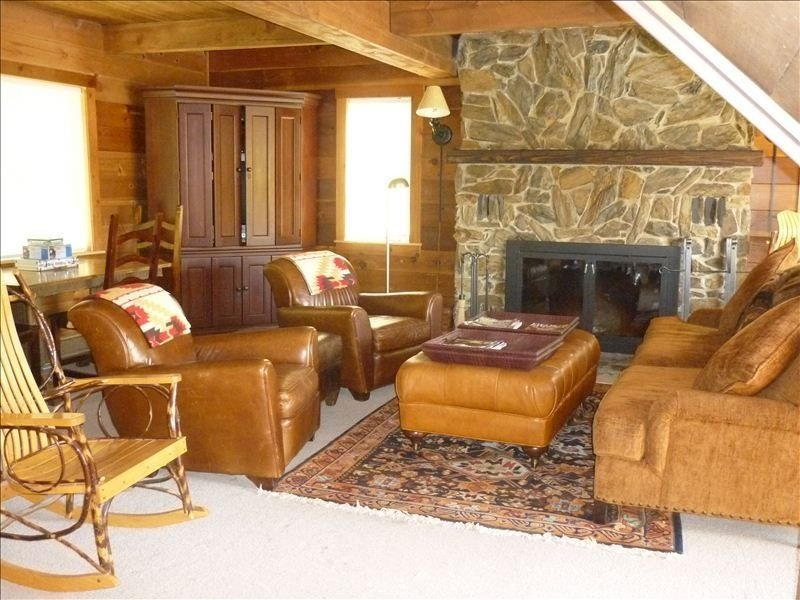 Fishing Lodge on Methow River with Pool and Hot Tub, holiday rental in Mazama