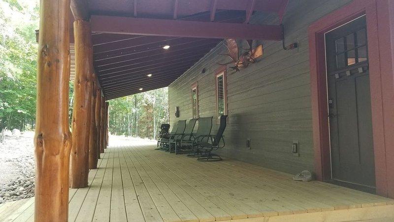Pontoon Included - Newly Built Lake Home on Woman Lake, alquiler de vacaciones en Hackensack